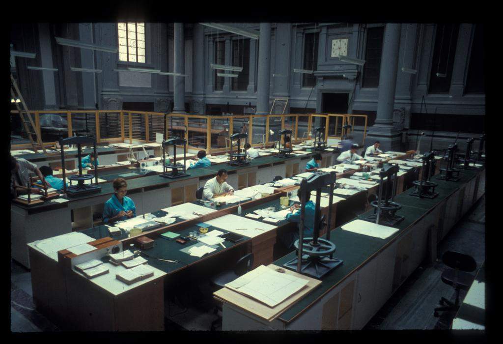il laboratorio di conservazione restauro libri e manoscritti nel 1968